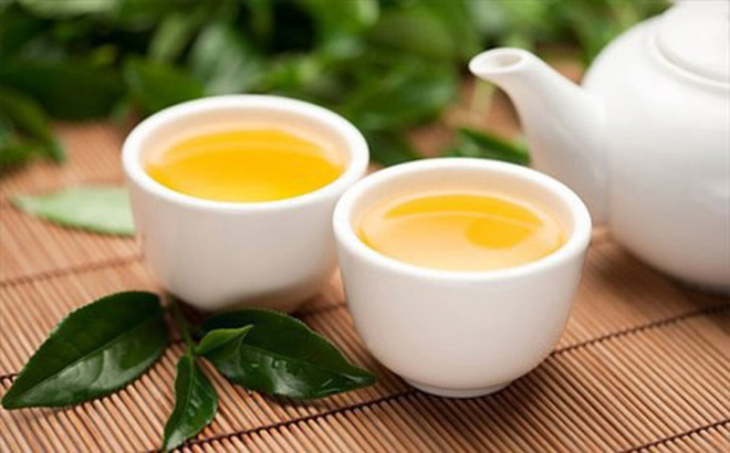 Uống trà xanh vào buổi sáng tốt cho việc giảm cân