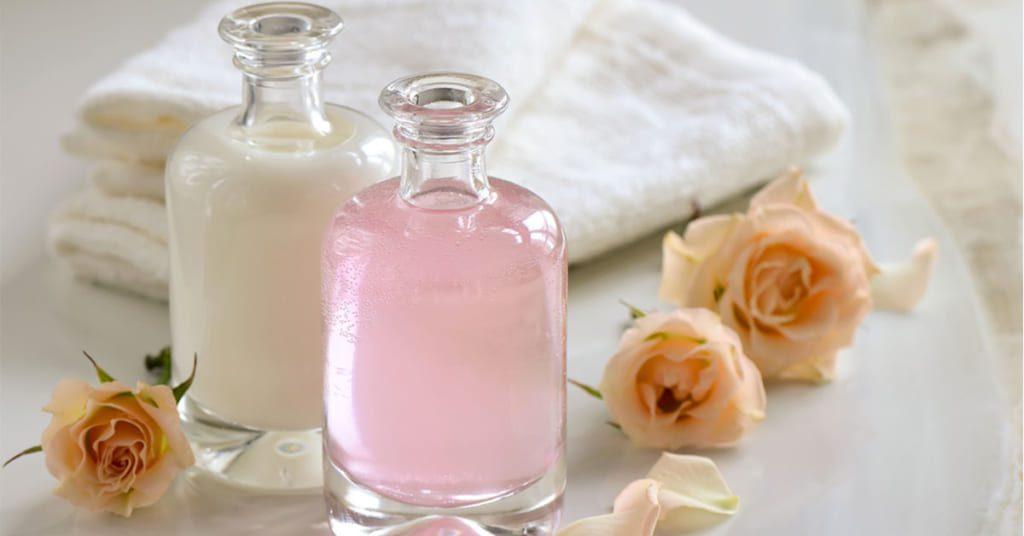 Kem dưỡng trắng da mặt an toàn từ sữa